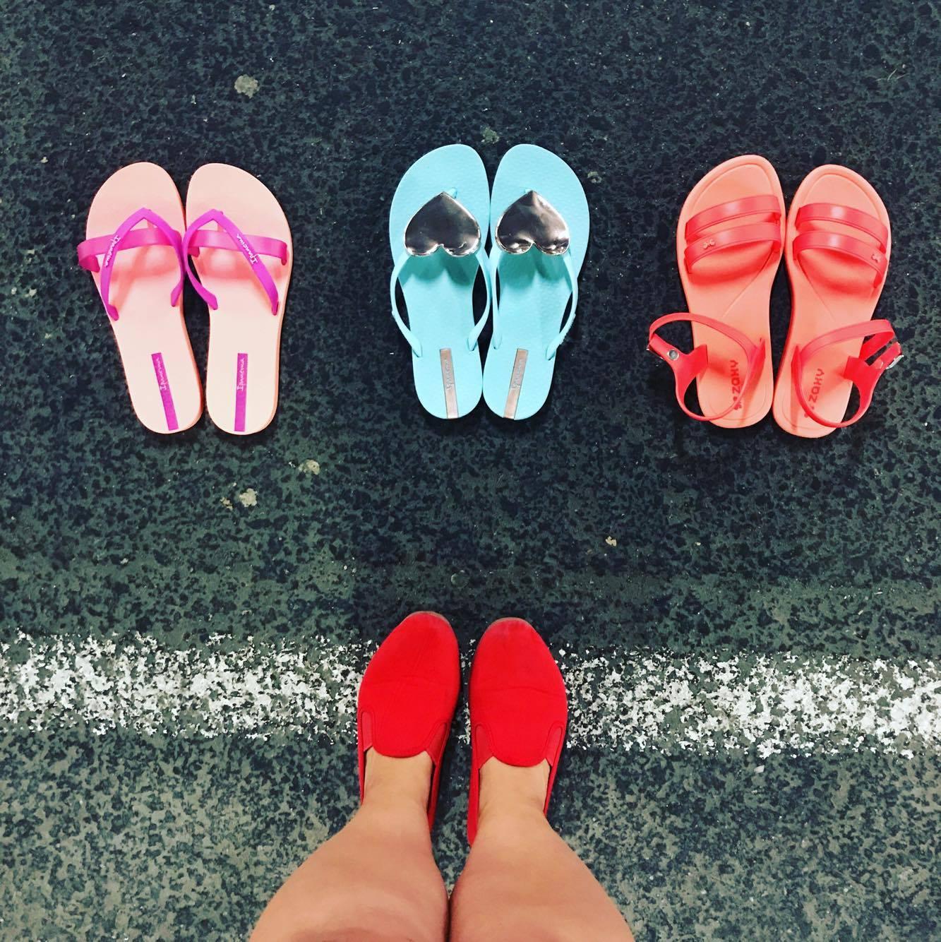 2c2b21e68f6 Ja no plätusid pole kunagi palju. Mul on ainult kaks paari plätusid,  punased ja sinised, nüüd on neli. Ja no need sandaalid olid niiiiii mugavad.