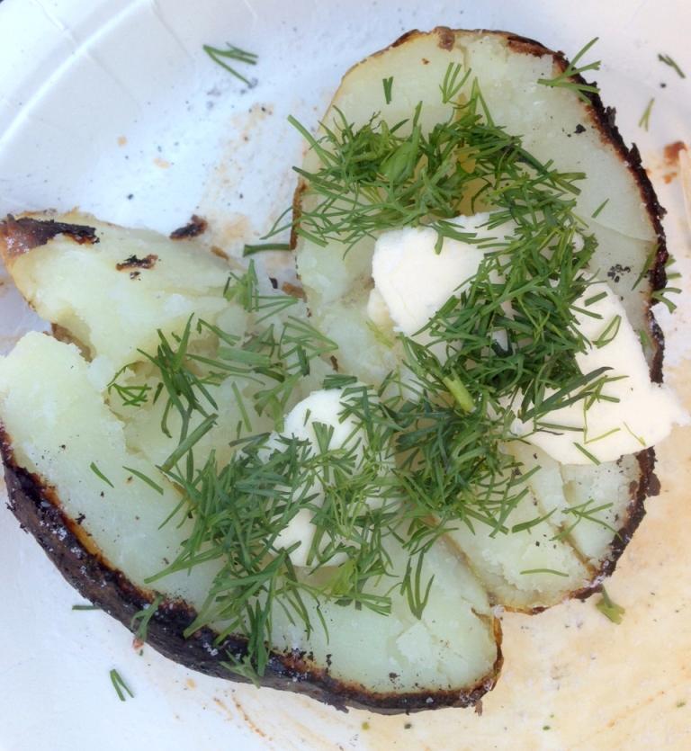 See sütel tehtud kartul on ikka parim :) soola-tilli ja võiga, keele viib alla!
