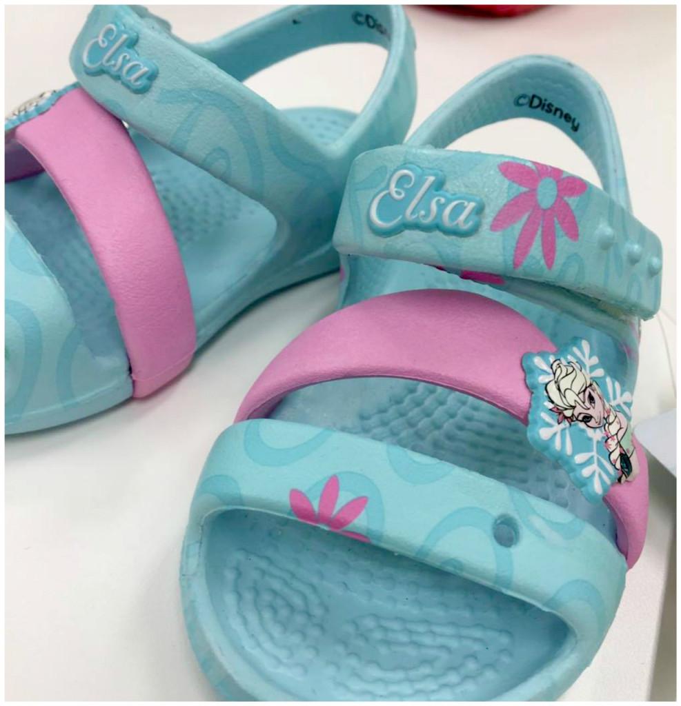 elsa-sandaalid-crocs